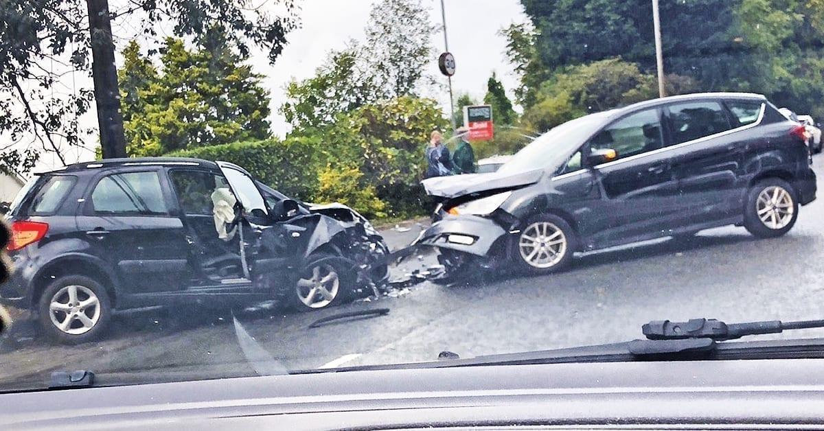 Devil's Elbow crash causes rush hour chaos