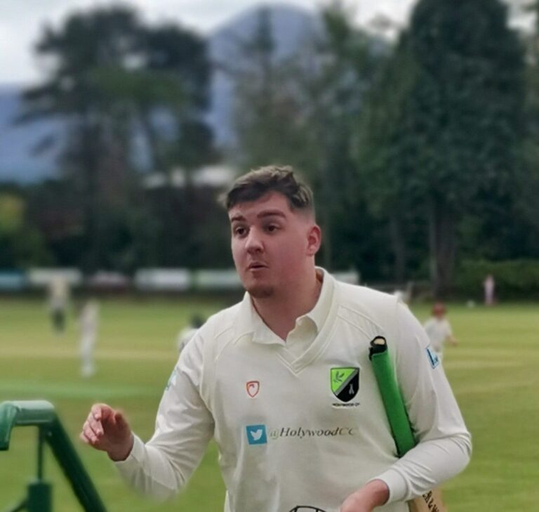Holywood continue search for first win